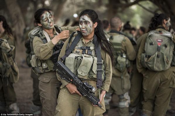 Kurdish female soldiers