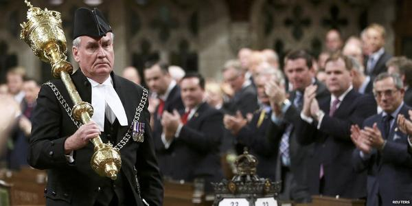 Kevin Vickers gets a standing ovation