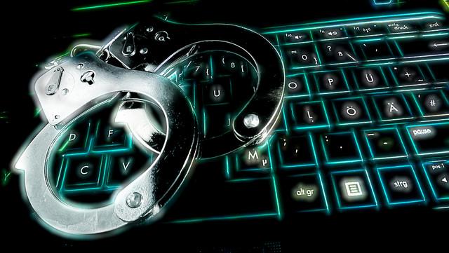 Hacker, Diebe, Sensationen 330/365 by Dennis Skley on Flickr