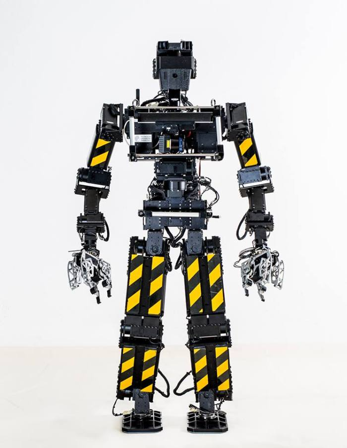DARPA competition Johnny 05 bot via DARPA on Facebook, YES THEY ARE ON FACEBOOK