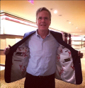 Jeb! shows off the Emperor's New Clothes via Alan He on Twitter